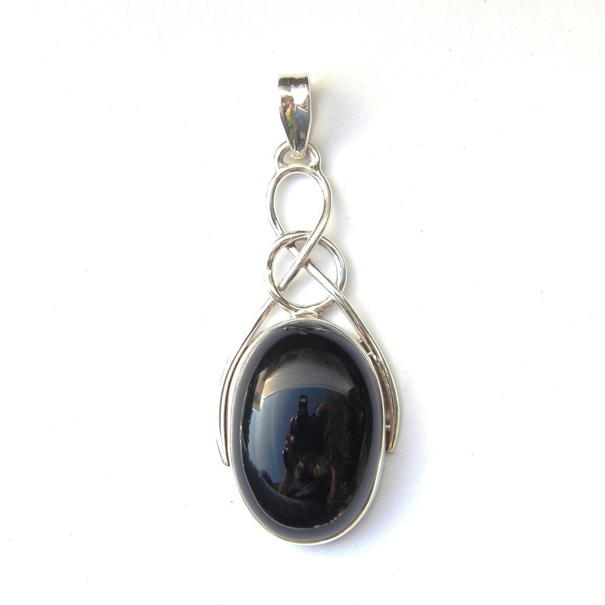 Black Onyx Oval Knot Pendant