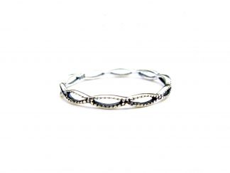Lovely Dainty Entwined Silver Ring