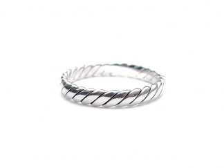 Beautiful Interwoven Silver Ring