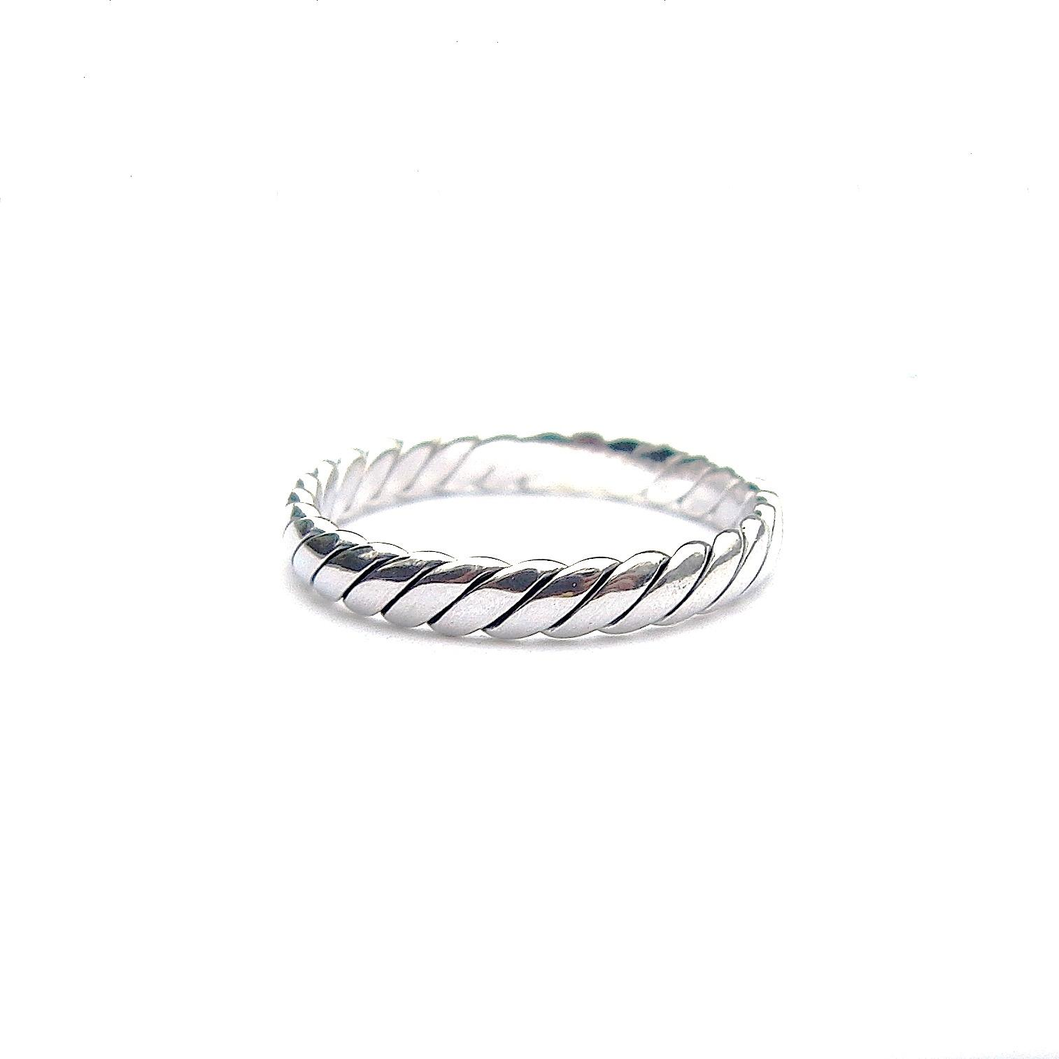 Beautiful Interwoven Silver Ring